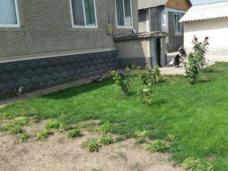 Casa în orasul Glodeni cu toate condiţiile!