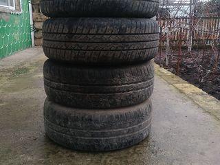 продам 4 летние шины за 2600