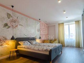 Chirie  Apartament cu 3 odăi, Centru,  str. Ștefan cel Mare, 800 €