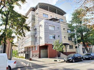 Элитная 2 комнатная квартира с большой террасой в центре города Kogălniceanu