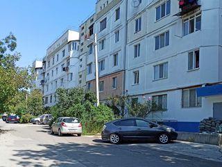 Spre vinzare apartament cu 3 odai, et. 2/5, 70 m.p..