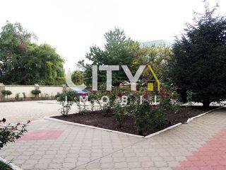 Se vinde teren sub constructie, Chișinău, Buiucani 12 ari