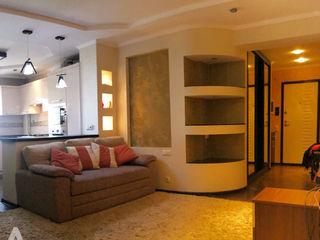 Chirie Apartament, str. N.Gheorghiu, 72 mp, 350 €