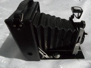 Продаю антикварный фотоаппарат Contessa Nettel Suevia Anastigmat 1:6,3 Vand aparat foto anticariat