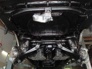 Автосервис предлагает услугу по антикоррозийной обработке рам и кузовов автомобилей.