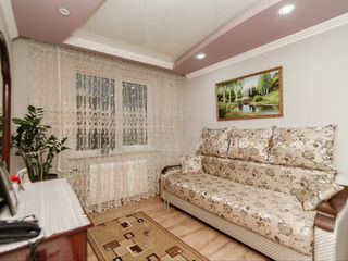 Buiucani! Apartament spatios cu 2 odai, euroreparatie, 49 m.p.. Pret 39 500 €
