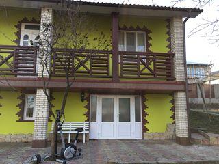 Продается 2-этаж. дом с евроремонтом. Дом супер-заходи и живи. Фалешты 55 000 евро
