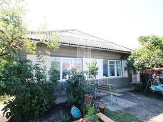 Telecentru, Sihastrului, casa - 124 m2, teren - 6 ari