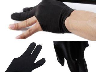 Бесспорная победа в игре с бильярдными перчатками