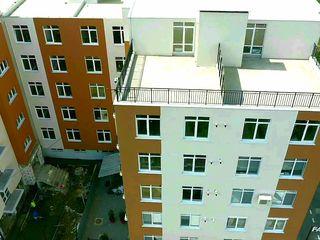 Apartament - 3 odai  - 126 m2 - 360 eu/m2 ! Mega oferta !