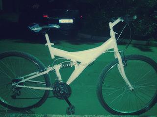 Продаю горный велосипед в отличном состоянии срочно