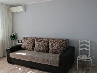 Schimb apartament amenajat prima linie45m2+ debara 4m2,de mijloc,pe 3 odai separate+adaos.
