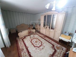 Vânzare apartament cu 2 camere + garaj propriu inclus în preț! Buiucani