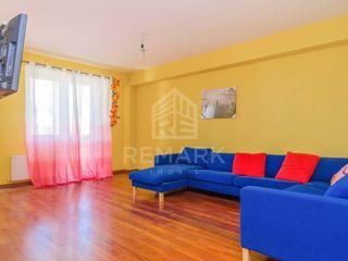 Chirie apartament cu 3 camere, Centru, cu Design, 420 €