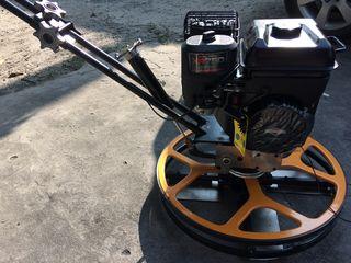продается новая затирочная машина   60 см elicopter pentru beton