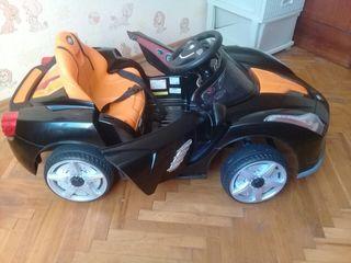 Maşinuţă Ford electromobil