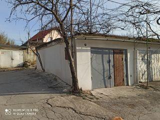 сдаю гараж на ботанике гск 13.   //str. Grenoble 303 a . капитальный .  большой  ,сухой гараж