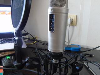 микрофон Rode NT2-A / наушники Beyerdynamic / KRK ROKIT 8 / аудио карта