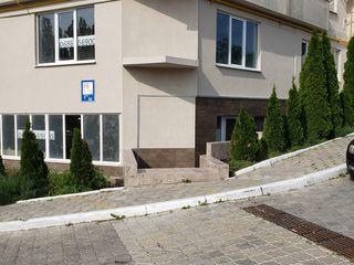 Spatiu comercial, 65 m2, de la proprietar, 500 euro/m2.