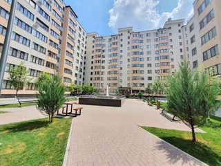 Apartament cu 2 camere+living, sect. Buiucani, bd. Alba Iulia, 74800 €