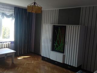 1-комнатная на Чеканах с видом на лес