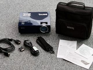 Proiector Benq MP720P complet 140 euro+Wireless USB PowerPoint Control Laser Flip Pen