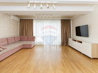 Apartament cu 3 camere, Centru, Chisinau