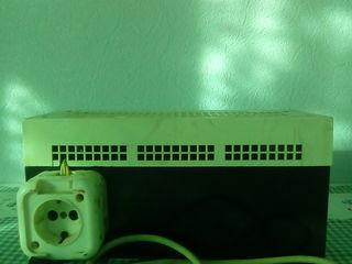 Stabilizator de Tensiune Tavria, USN-200; 200 Volți, 50 Hz;