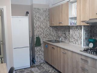 Chirie, apartament cu două odăi în centrul sectorului Rîșcani!