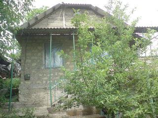 Casa 76 m.p.in or.Vadul-lui-Voda/18km de la Chisinau/construita din cotelet,teren-8ari-pret 9995 eur