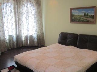 Новый дом, Парк, 6 комнат,4 Cан узлов,Сауна,Басейн,Тераса,Сад, 2 места парковки,690 euro