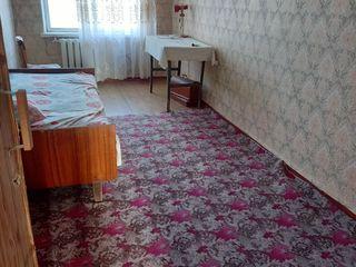 Vind apartament cu 3 camere in Gagauzia oraselul Svetlii