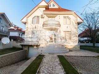 Casă cu 2 nivele spre chirie, Centru, str. M. Berezovschi, 1200 € !