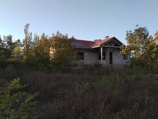 Продам недорого новый, красивый,  большой дом построенный по индивидуальному проекту