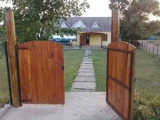 Satul Grozesti, se vinde sau arenda spatiu comercial, magazin + sauna