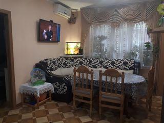 Se vinde apartment cu 2 odăi, 50 metri pătrați de la proprietar
