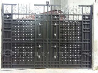 Copertine, garduri, porți, balustrade,  gratii, uși metalice și alte confecții din fier forjat.