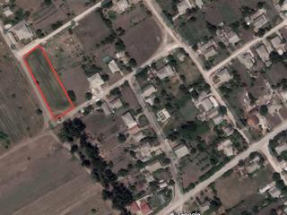 Пригород. Участок под постройку в с. Долинное, 0,17 га, 10 км от Кишинева. Приватизирован.