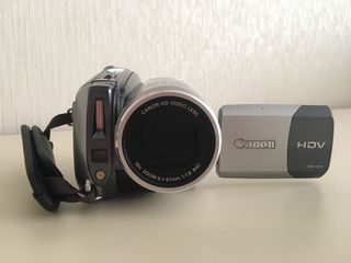Vînd camera video Canon