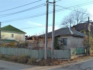 Угловой дом в центре Дурлешт