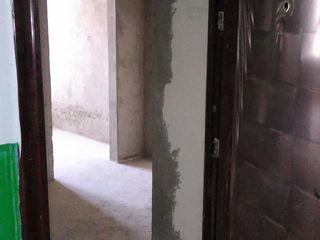 Se vinde apartament cu 2 camere in orasul Floresti!