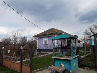 Casa in satul Bratusenii noi