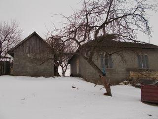 Se vinde casa in s. Branesti 5 km de Orheiul Vechi, 43 de Chisinau si 25 de or. Orhei . Pret: 3500 e