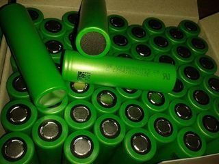Аккумуляторы для электронных сигарет купить Литиевые аккумуляторы 18650 емкостью 4200mA 25 лей Аккум
