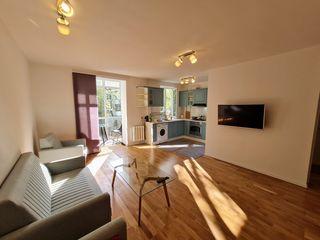 Apartament nou renovat, mobilat, la cheie. 2 camere+living, 60mp, panoramic,  Lech Kaczynski,centru