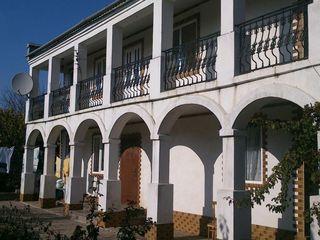 Mun. Balti, satul Sadovoe, casa cu 2 etaje, stare buna