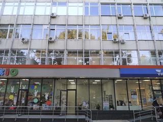 Arenda prima linie Oficii 30-250mp, sau la etaj, birouri/ open space