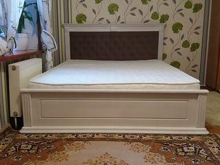 Кровать из массива ясеня новая