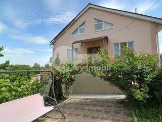 Casa cu 3 nivele, Dumbrava, reparație euro, 190 mp, 92900 € !