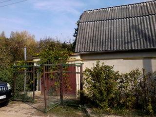 25км от Кишинёва дачный участок в лесу.